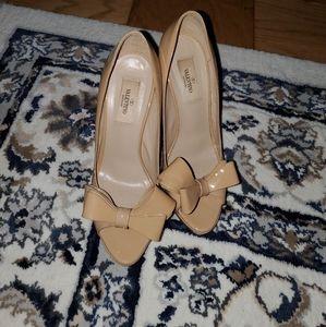 Valentino nude bow heels